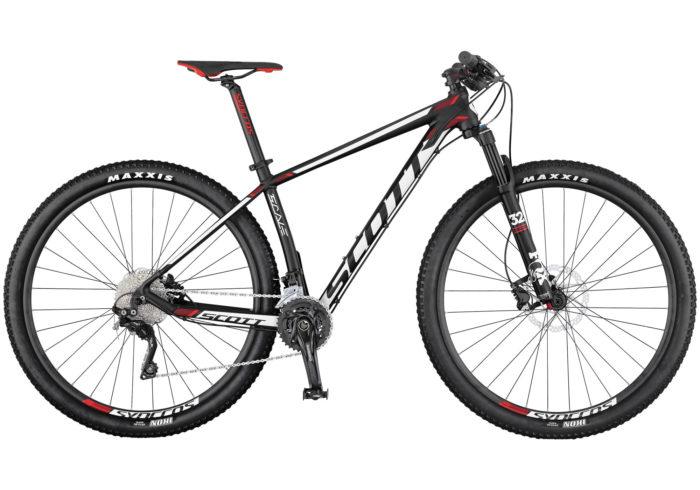 """La Scale 750/950 de SCOTT viene totalmente equipada con una horquilla FOX 32 Float Performance de tres modos y nuestra tecnología RideLoc que ofrece tres ajustes de recorrido para optimizar las prestaciones en todo momento. Con la misma geometría que sus hermanas de carbono, esta bicicleta rígida es resistente, tiene un precio asequible, y está hecha para la velocidad. Disponible con ruedas de 29"""" y 27,5"""".Transmisión optimizada Sram GX1/NX1 1x11"""