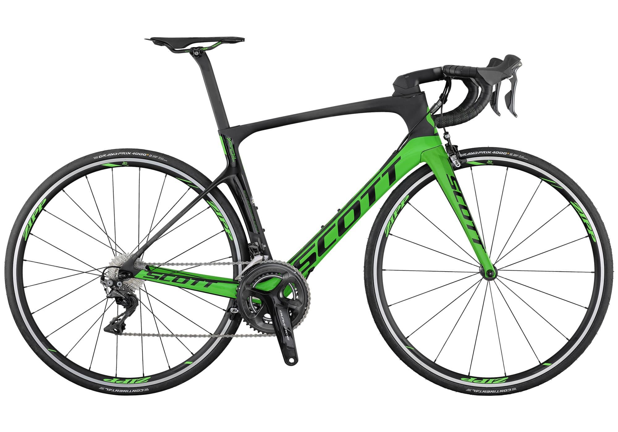 Scott Foil RC. La nueva bicicleta de carretera SCOTT Foil RC forjó su reputación cosechando victorias en diferentes etapas del Tour de Francia, en la Milán-San Remo y en la Lieja-Bastogne-Lieja, por mencionar solo algunas. Este éxito nos animó a diseñar la nueva FOIL RC de una forma incluso más aerodinámica y cómoda que antes y con el mismo nivel de rigidez lateral. Hemos rediseñado totalmente el cuadro de fibra de carbono HMX para reducir aún más la resistencia aerodinámica y poder ganar esos valiosos segundos. Es uno de los cuadros más ligeros en el segmento de aerodinámicos. Con un sistema de manillar integrado Syncros y componentes de carbono Syncros, esta bicicleta está diseñada para ayudarte a ganar todas las carreras.